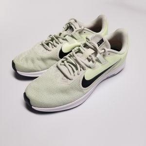 Nike Downshifter 9 AQ7486-009 Women's Size 10